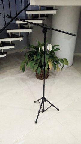 Suporte pedestal para microfone com tripé - Foto 2