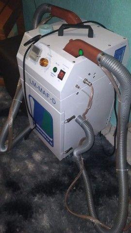 Máquina de arrematar fios e linhas  com 2 cabeças e 2 motores - Foto 2