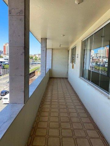 Apartamento com Cômodos Amplos. - Foto 4