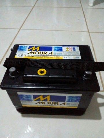 Vendo Bateria Moura 60AH semi nova. - Foto 5