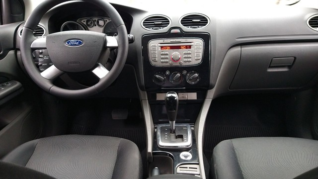 Focus Hatch GLX.2013 Automático - Foto 9