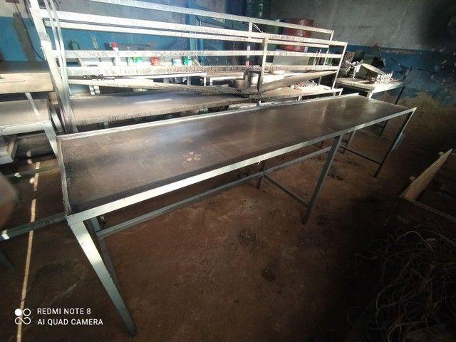 Bancadas Aço e madeira de lei - Foto 3