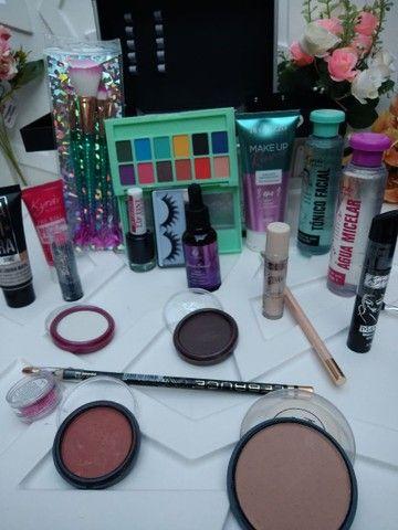 Para Presentear quem vc Ama Maleta de Maquiagem  Completa Com 22 Itens. - Foto 4