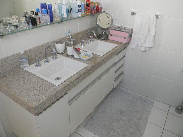 Apartamento para venda possui 240 metros quadrados com 4 quartos em Enseada do Suá - Vitór - Foto 11
