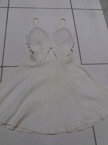 Vestido Branco Curto decotado