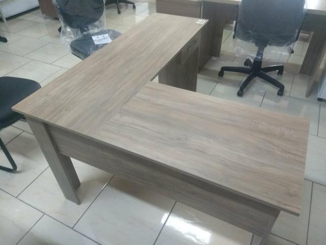 Mesa em L escritório com 01 gaveta novas fabricação própria - Foto 3