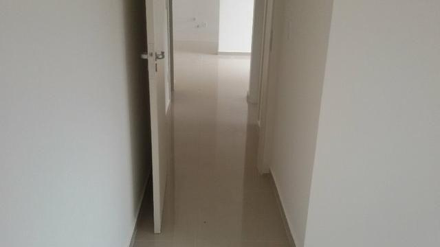 Prédio com elevador aptos 2 quarto, pronto para morar, fica na avenida com acesso a pra - Foto 3