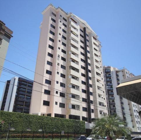 Apartamento incrível com 3 suítes, na 13 de julho