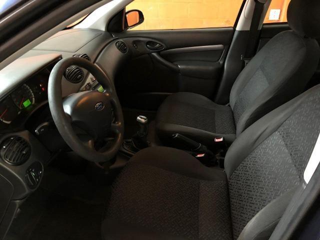 Ford Focus Sedan GLX 2.0 16V Duratec - Foto 9