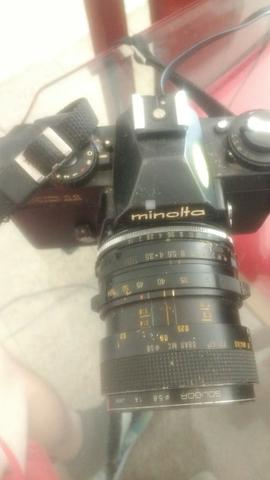 Maquina Fotográfica Minolta XD11 - com lente 50mm