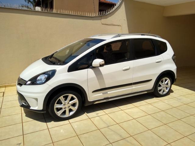 Vendo Fit Twist 13/13 branco, placa A, excelente estado baixa KM Londrina