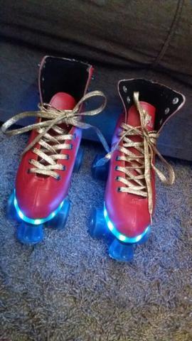 Troco patins usado 2 vezes e dentro de casa por bicicleta media c/ rodinha - Foto 5