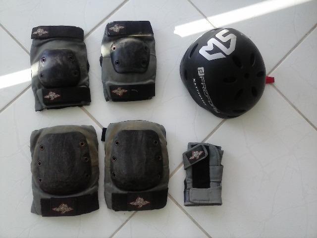 Roller Patins Black Traxx + Kit Proteção completo - Foto 4