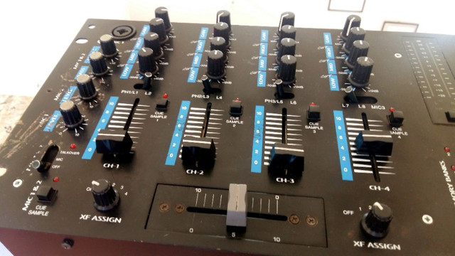 Mixer Gemini PS-900 Profissional Sampler e Pré-ampificador Estéreo - Foto 4