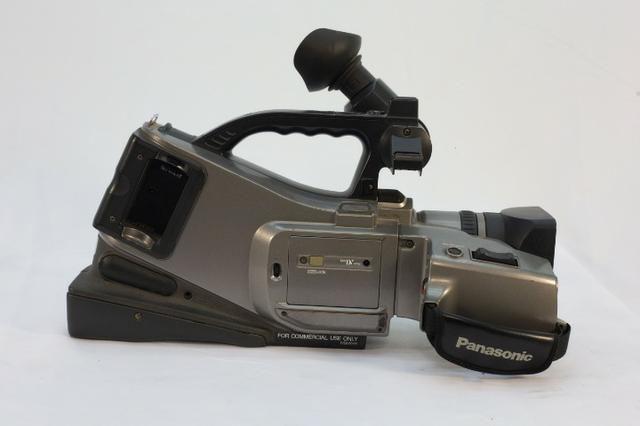 )- Câmera Profissional Panasonic 750x - Foto 5