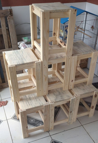 Mesa Bobina de madeira churrasco com 4 o 6 banquetas , promoção 499 RS/ 649 RS - Foto 6