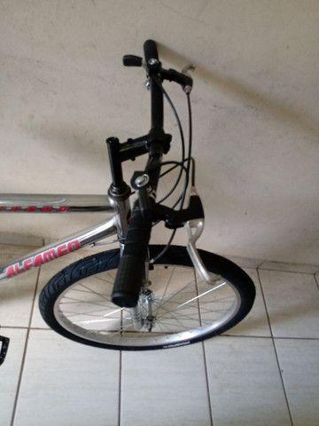 Bicicleta aro 26 impecável cromada sem detalhes - Foto 5