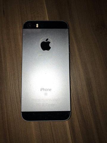 iPhone SE 16 Gb Prata - Foto 3