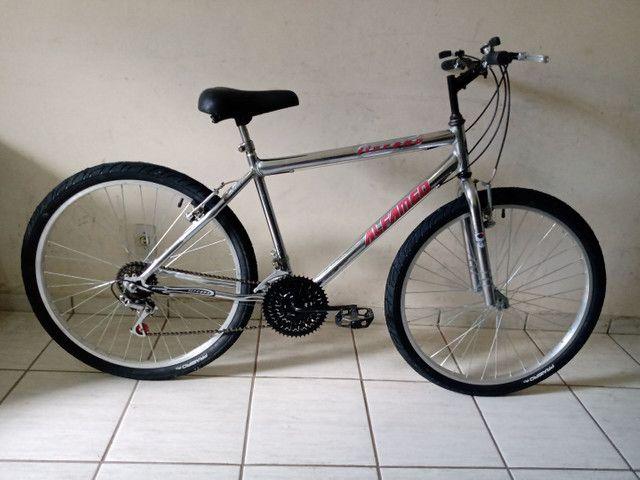 Bicicleta aro 26 impecável cromada sem detalhes - Foto 2