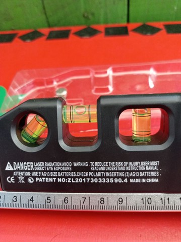 Nível a laser,trena e nível de mesa - Foto 2