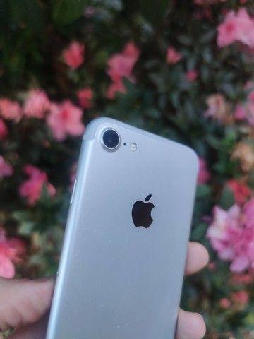 iPhone 7 128gb Prata - Excelente!! 12x de 123,91  no cartão. C/Garantia - Foto 4