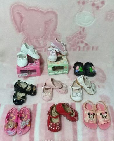 Lote menina 9 pares calçados número 18 - Foto 2