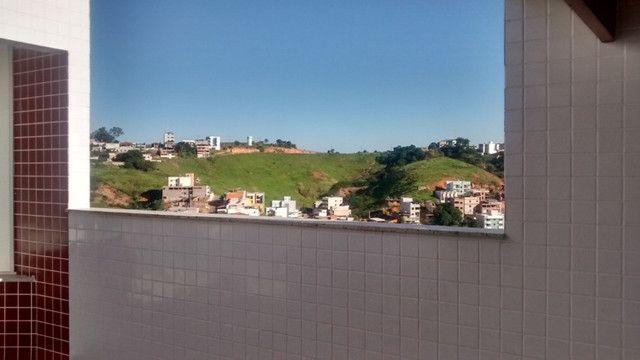 Cobertura B. Cidade Nova. COD C033. 4 qts/2 suítes, 3 vgs. Área gourmet. Valor 425 mil - Foto 20