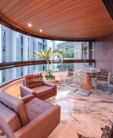 Apartamento 280 m², 4 quartos sendo 4 suítes, 4 vagas - Foto 3