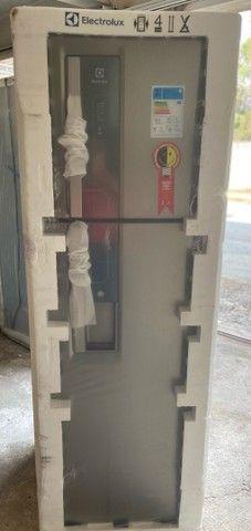 Refrigerador Eletrolux 382 litros inox com dispensor de água ?  - Foto 4