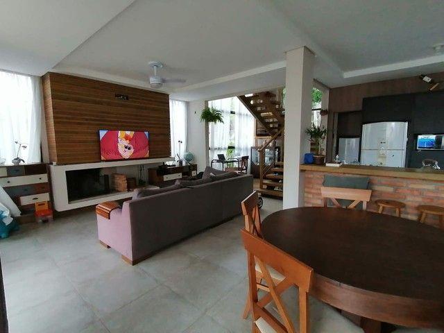 Casa à venda com 3 quartos no bairro Coqueiros em Florianópolis. - Foto 2