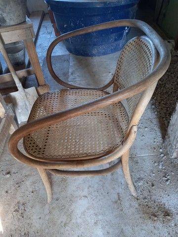 Cadeira antiga. Leia a  abaixo  - Foto 2