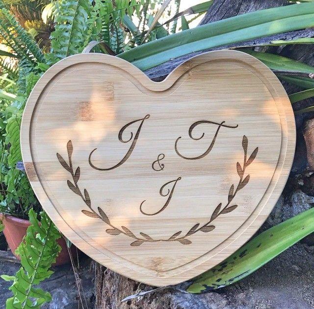 Tábua de Corte em Bambu de Coração Personalizada - Foto 2