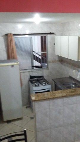 Quitinete excelente localização em Itapuã, mobiliado, garagem, pronto para morar. - Foto 6