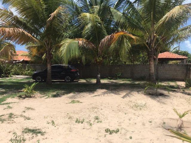 Casa duplex para venda tem 146m2 com 4 suítes próximo a praia da Caponga - Cascavel - CE - Foto 14