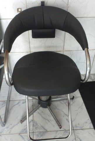 Cadeira de salão em perfeito estado de uso, hidráulico funcionando perfeitamente - Foto 5