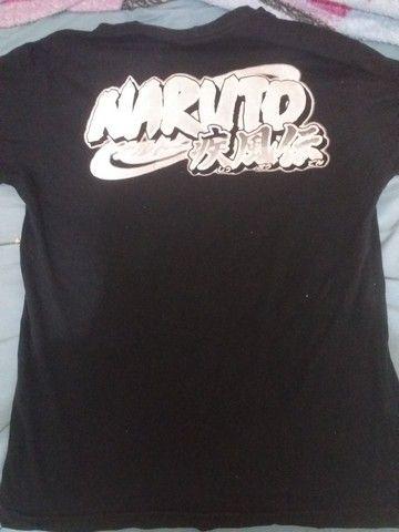 Camisas de Naruto e attack on titan, e saia akatsuki - Foto 2