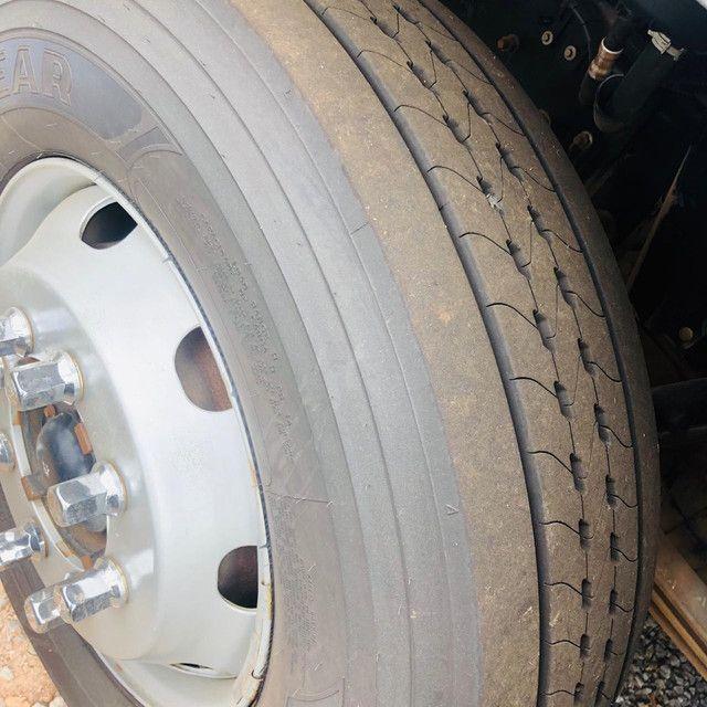 Ford Cargo 1319 Baú refrigerado  - Foto 4