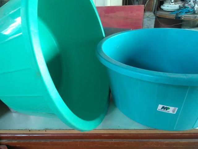 Bacias grandes ( 80 litros) e bandejas inox