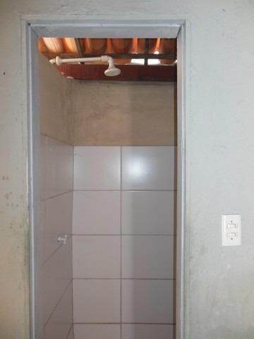 Casa com 1 Quarto para Alugar, 25 m² por R$ 400/Mês - Foto 8