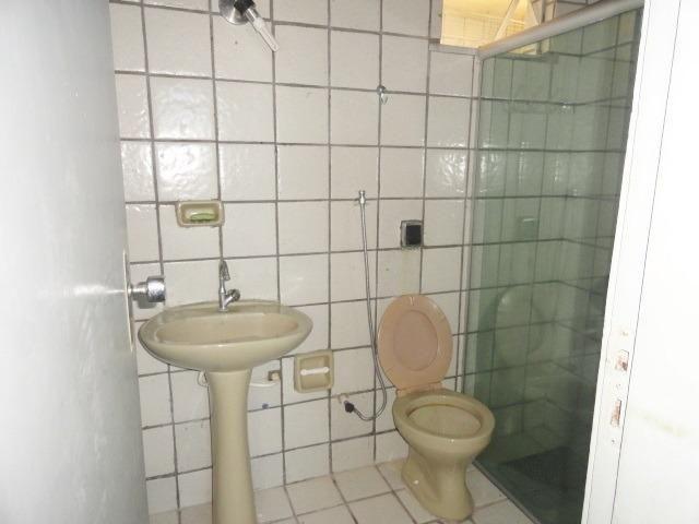 Apartamento com 3 Quartos para Alugar, 130 m² por R$ 800/Mês - Foto 7