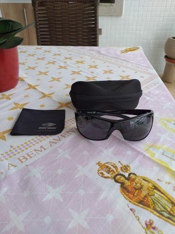 Vendo lindo oculos de sol Mormaii Acqua produto novo e original completo - Foto 3