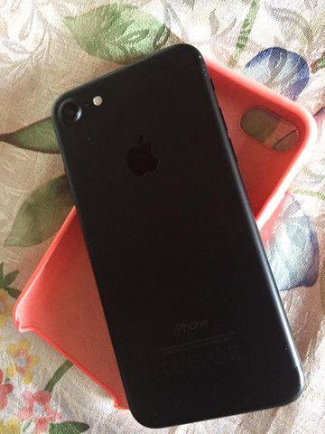 iPhone 7 32 GB TROCO - Foto 3