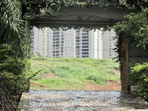 Casa em lote de mais de 1000 m2 - Foto 4