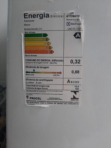 Máquina de lavar roupas Eletrolux 10,5kg Semi Nova 110V. Modelo LAC11 - Foto 3