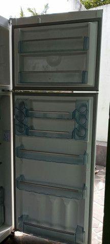 Vendo geladeira  - Foto 6