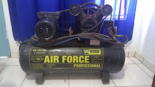 Compressor de ar 15 PÉS 100 LITROS V8 - Foto 4