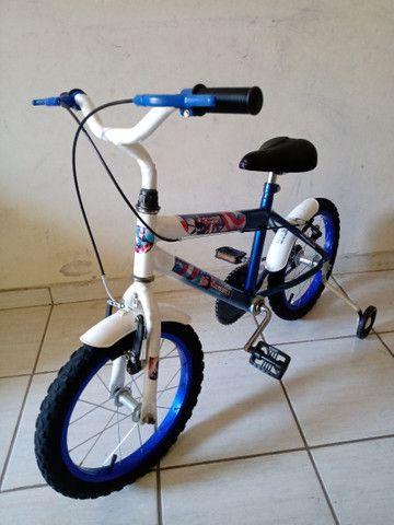 Bicicleta aro 16 impecável capitão América - Foto 5