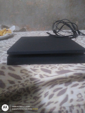 Vendo PS4 em perfeitas condições  - Foto 2