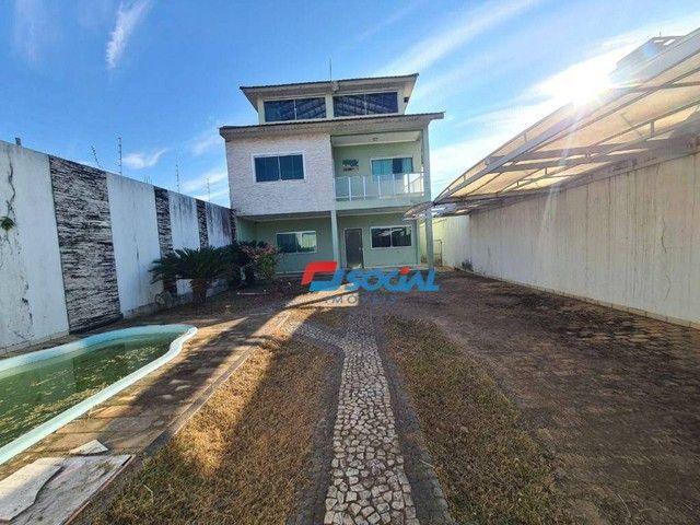 Sobrado com 5 dormitórios à venda, 300 m² por R$ 950.000,00 - Nossa Senhora das Graças - P