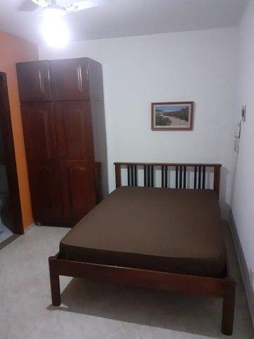 Quitinete excelente localização em Itapuã, mobiliado, garagem, pronto para morar. - Foto 2